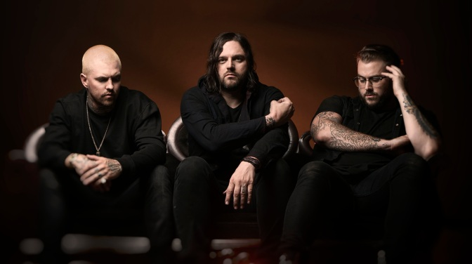 "Hundred Suns Premiere New Track ""Last Apology"""